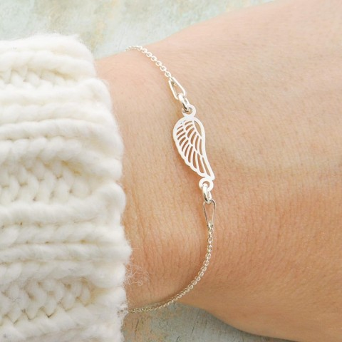 Thin Chain Bracelet With Silver Angel Wing